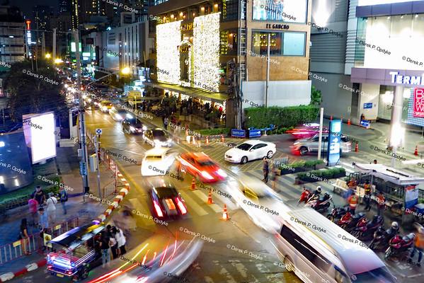 Bangkok, Nov 29th, 2016 - Sukhumvit Road & Soi Sukhumvit 19