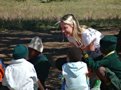 Gabriella Gentil with young learners