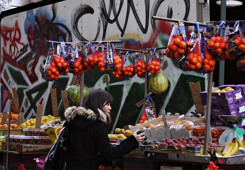 Street market, Chinatown