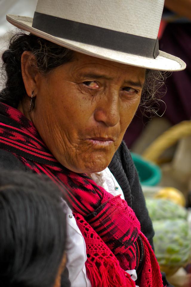 Market woman, Paute