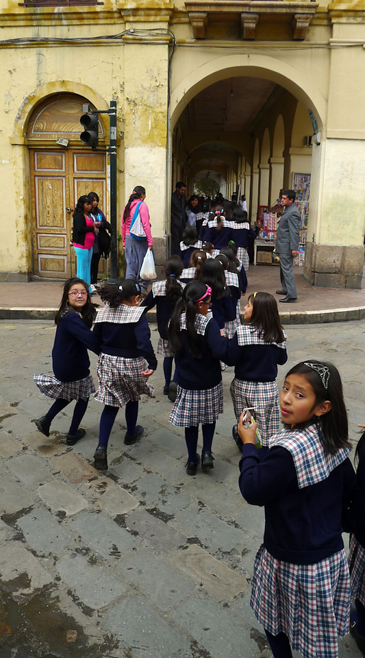 Schoolchildren on parade, Cuenca