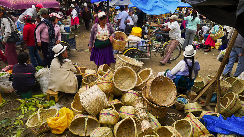 Baskets for sale, Paute