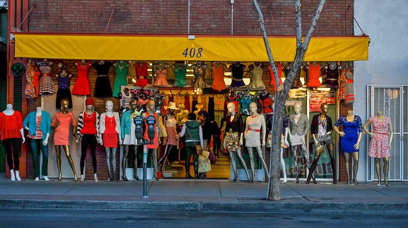 45  Garthering of mannequins, El Paso, Texas