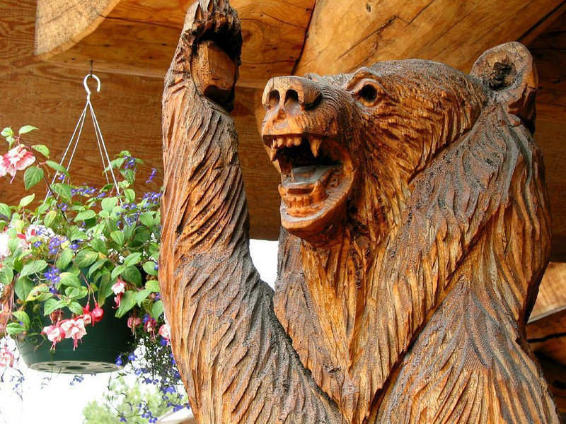 Greetings - This massive carved bear greets visitors at a restaurant near Denali National Park.