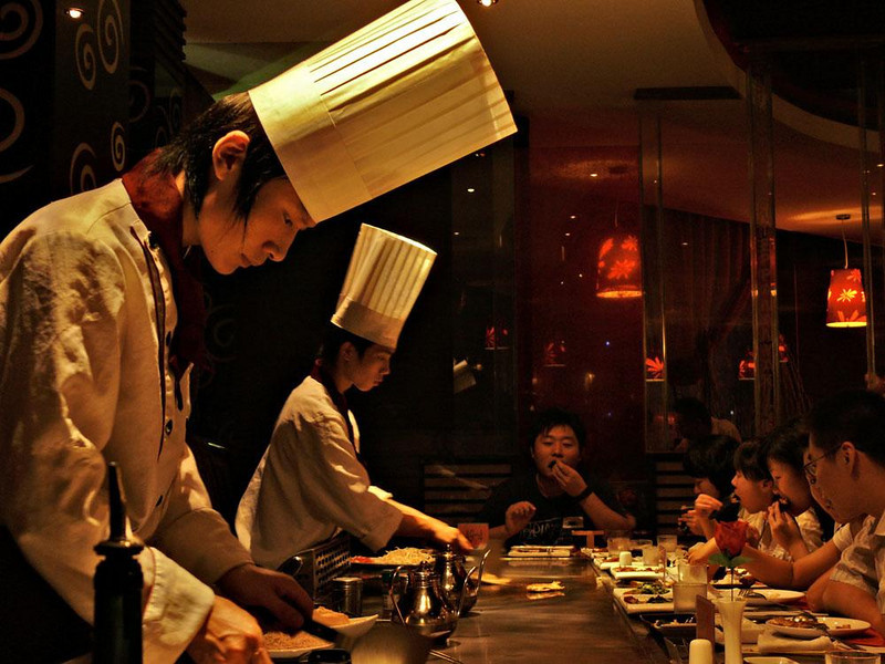 Teppanyaki at Nanjing - Chinese chefs cook Japanese style food in this Nanjing Restaurant.