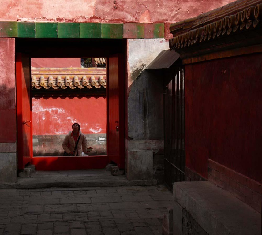 Exploring the Forbidden City - An awestruck tourist wanders through the warren of courtyards that link the 800 buildings of Beijing's Forbidden City.