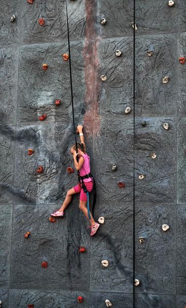 61  Belmont Park climber, Mission Beach, California
