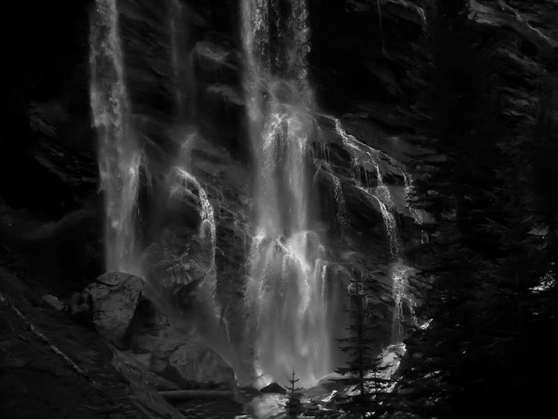 Pyramid Falls, Alberta