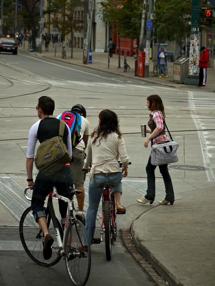 Cyclists, Toronto