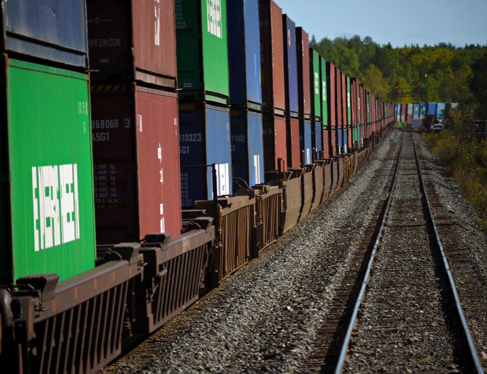 Freight train, Ontario