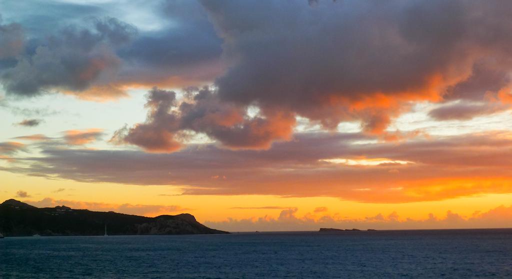 Firery dawn, St  Barts