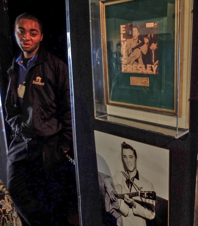 Graceland guard, Memphis, Tennessee