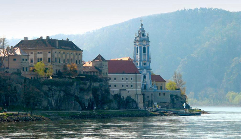 Durnstein, gem of the Wachau - The Danube's steep Wachau Valley is lined with vineyards and ancient towns, including Durnstein. Here English King Richard the Lion-Heart was imprisoned in 1192. Its Baroque church, which juts out into the Danube, is one of the most beautiful in Austria.