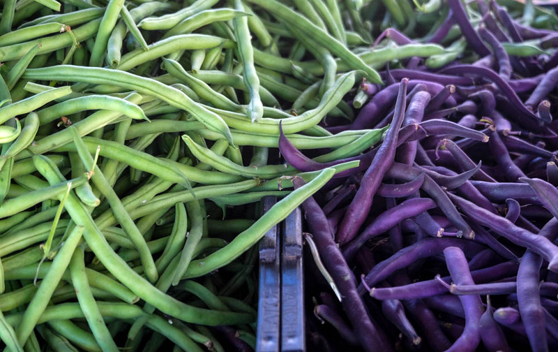 46  String beans, green and purple, Farmers Market, Imperial Beach, CA