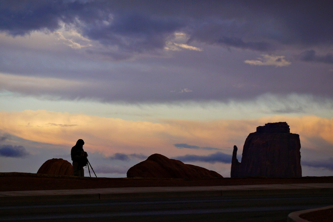 Waiting for the light, Monument Valley