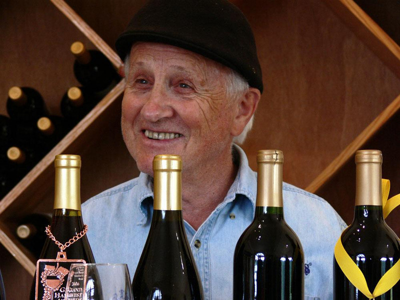 Philippe Girardet, Winemaker, Roseburg - The personality of Winemaker Girardet is as spirited as the taste of his wines. He came to Oregon from Switzerland and established the Girardet Vineyard in 1971.