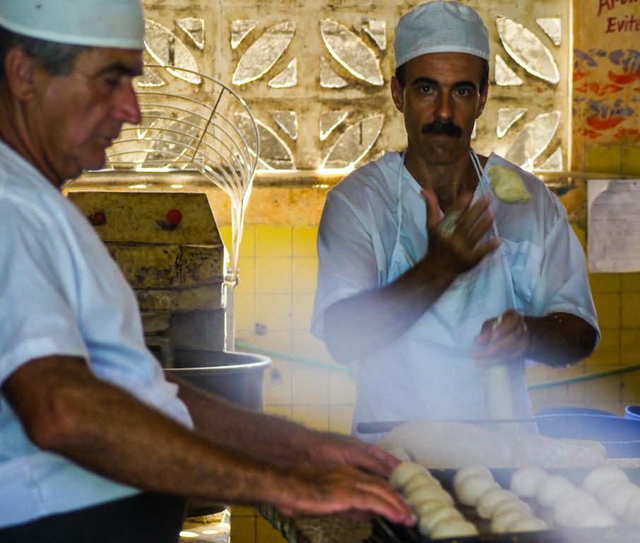 Rolling dough, Vinales
