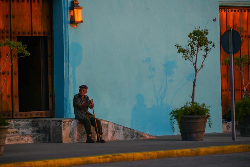 Door duty, Havana