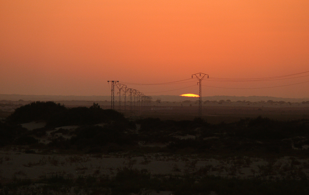 Last sight of the sun, Douze