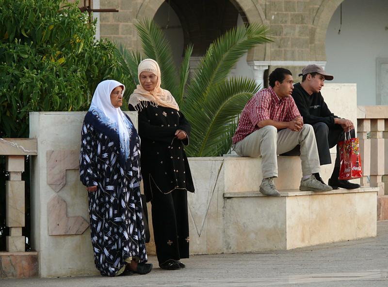 Pairs, Tunis