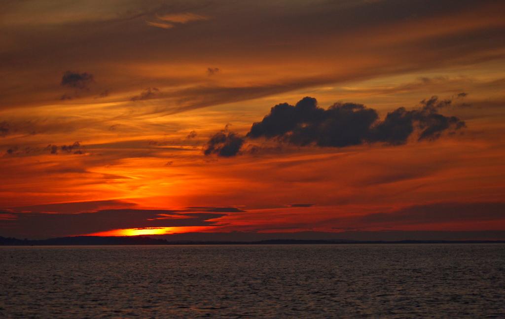 Painted sky, Annisquam River