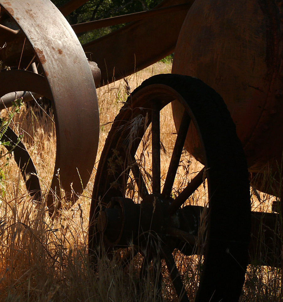 Abandoned machinery, Placerville