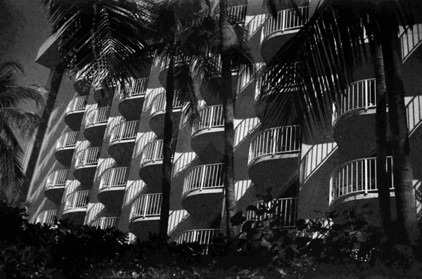 4 Nassau in Black and White