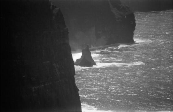 28 7-9-06 Cliffs of Moher