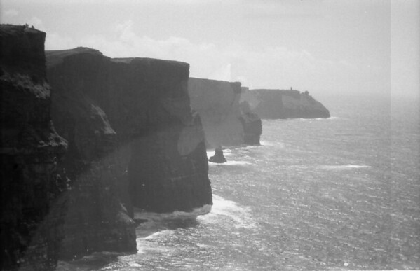 27 7-9-06 Clliffs of Moher