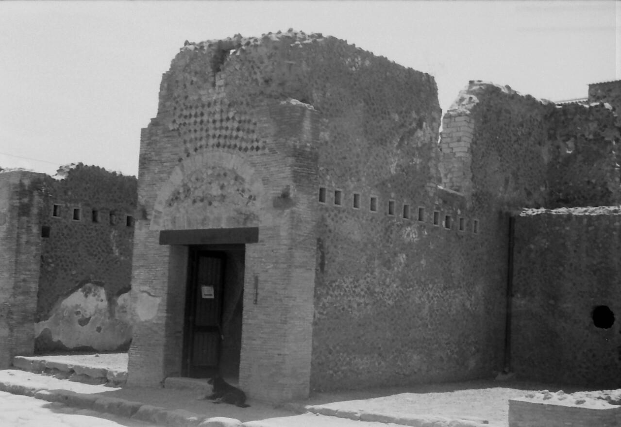 1 Pompeii