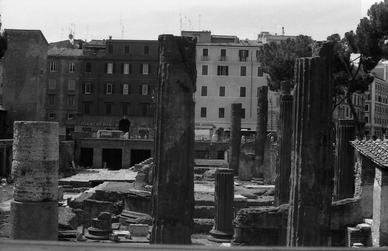 27 Rome ruins columns