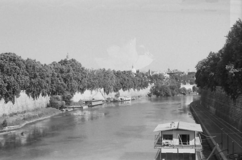 35 Rome River Tiber