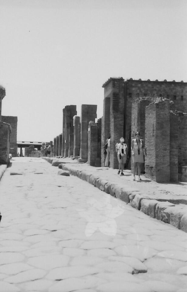 4 Pompeii