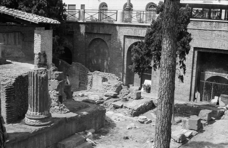 29 Rome ruins