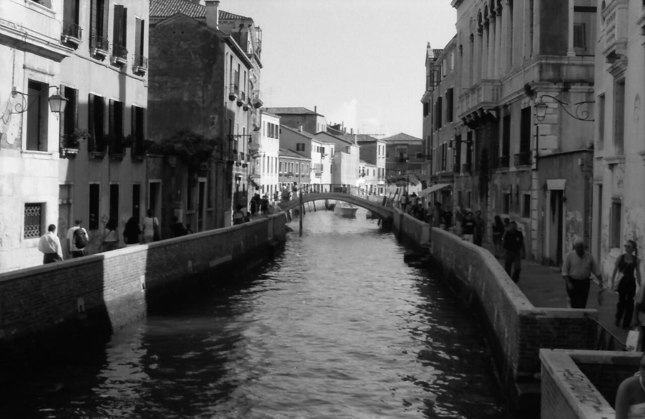 24 Venice bridge water street