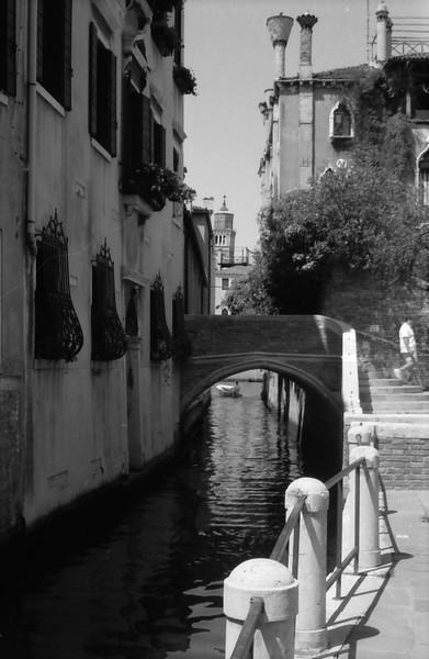 10 Venice street bridge water