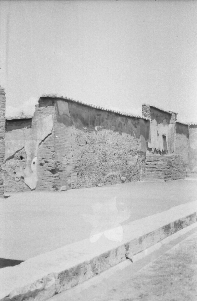 37 Pompeii