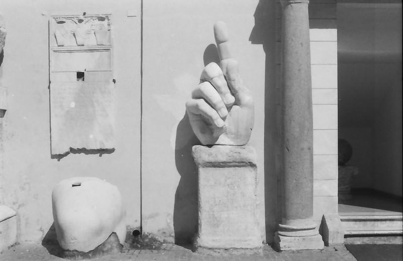 7 Rome Campidoglio Constantine hand knee
