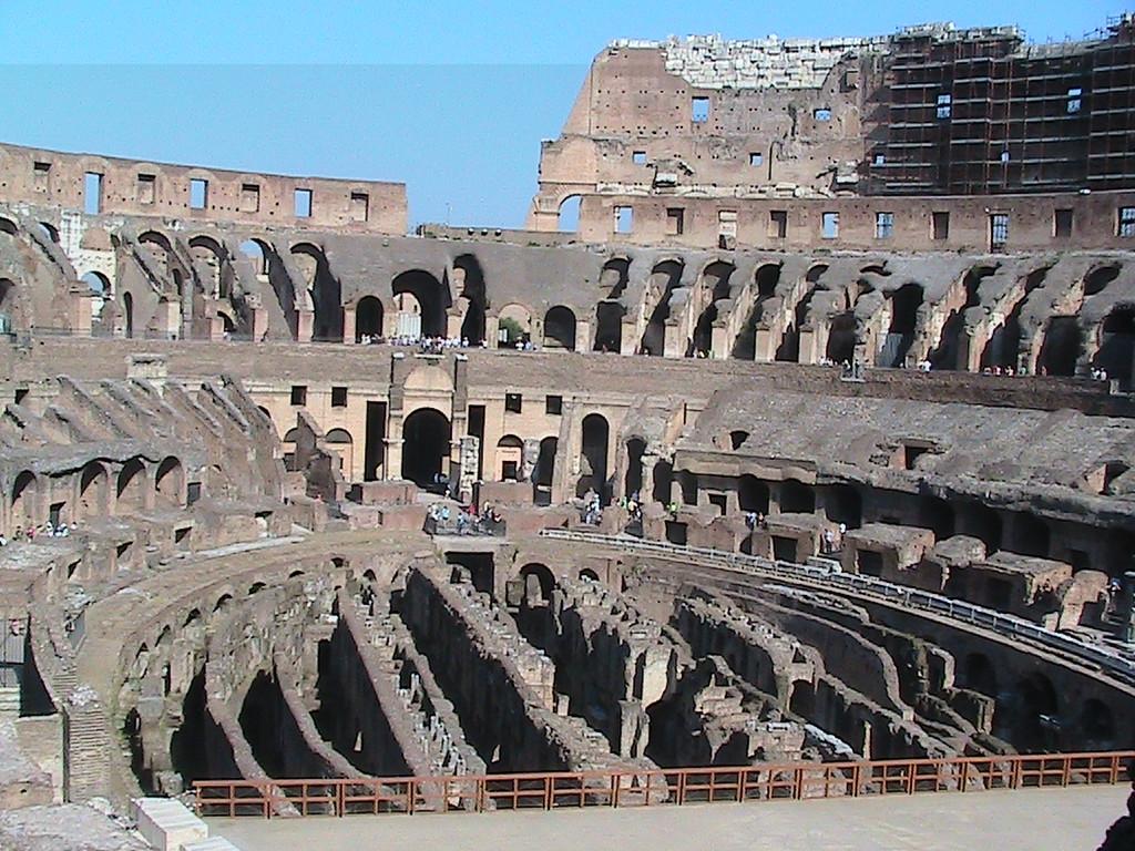 482 Rome Colosseum