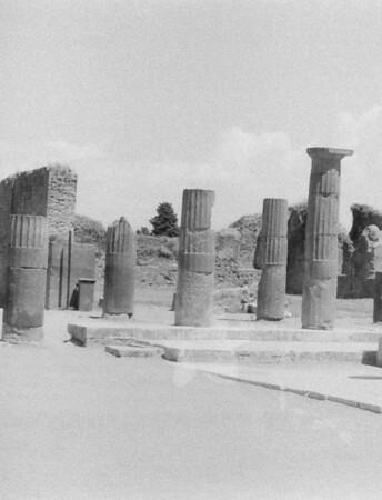 27 Pompeii