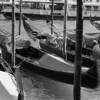 2 Venice gondolas
