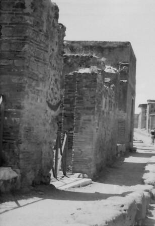 16 Pompeii