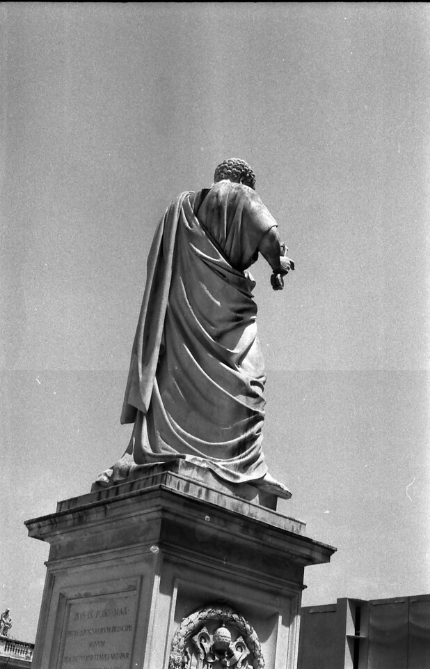 17 Rome St Peter's Basilica statue