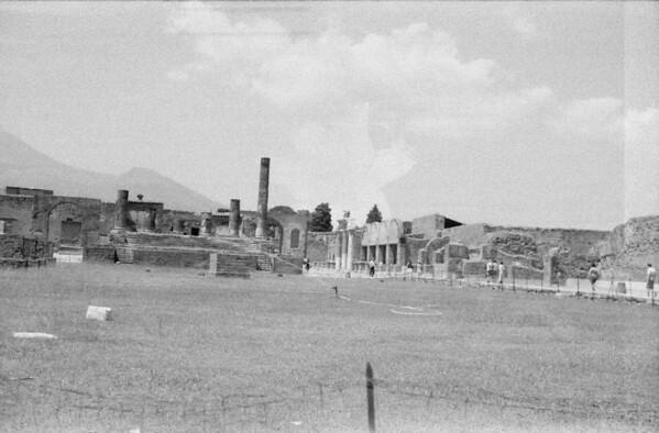 24 Pompeii