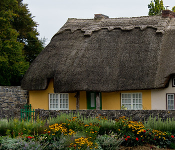 Adare thatched cottage 300 years old