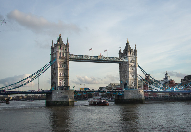 Daytime shot of the Tower Bridge