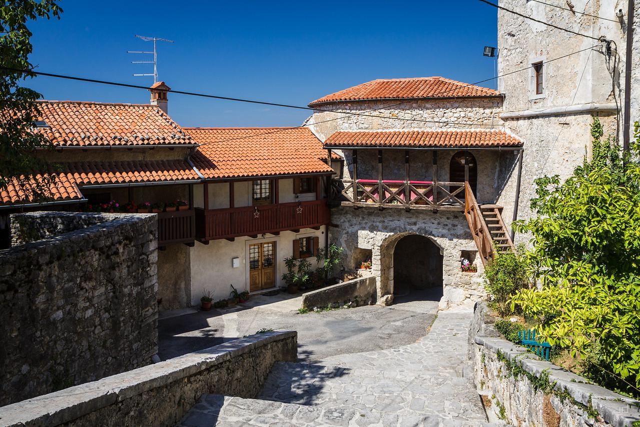 Main gate in Štanjel
