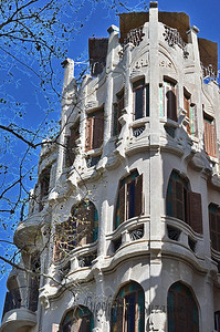 The beautiful architecture of Gaudi!  The Gran Hotel in Palma is one of the most important examples of Catalan art nouveau style. With its beautiful balconies and columns, & sculptured façade, it was the first luxury hotel in the City when it opened its doors in 1903. It was restored in 1993,  and is now a cultural centre and art gallery with a chic café,