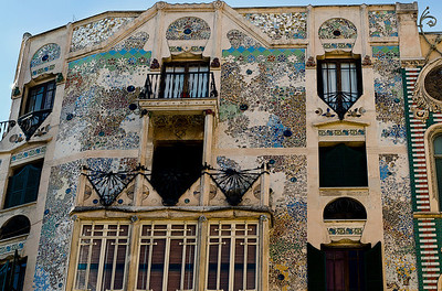 Mallorca's Modernist, Art Nouveau building was completed in 1909.  This five story apartment block was the work of one man, its owner Lluís Forteza-Rey
