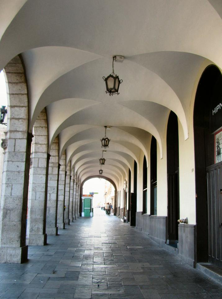 Los alrededores de la plaza mayor.<br /> <br /> The surroundings of the main plaza.